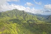 Kauai hawaii island mountains aerial view — 图库照片
