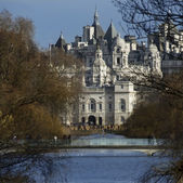 St James's Park and Horse Guards Parade - London England — Stock Photo