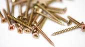 Scattered screws — Stock Photo