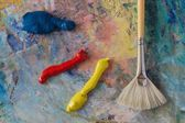 Primary colours on a palette — Stock Photo
