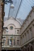 Изделия из стекла и архитектурные детали Queens галереи в Брюсселе. — Стоковое фото