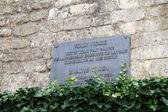 Herdenkingsmunten plaat van Brussel Black Tower — Stockfoto