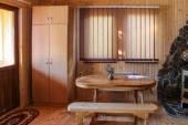 интерьер деревянного коттеджа — Стоковое фото