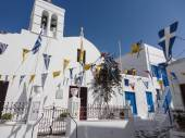Traditional greek church on Mykonos island, Greece — Stock Photo