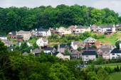New Suburban Subdivision In Wooded Area — Stock Photo