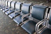Long Row Of Empty Seats In Airport — Fotografia Stock