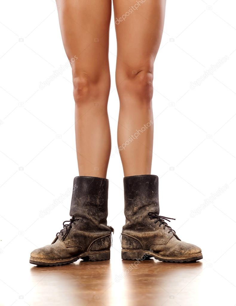 ножки в грязных сапогах