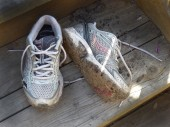 Well worn running shoes — Foto de Stock