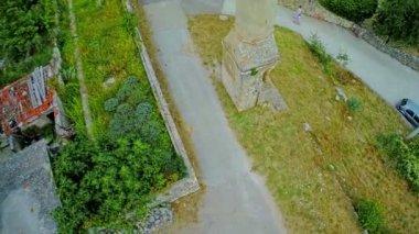 Old minaret in Drnis - aerial shot — Stock Video