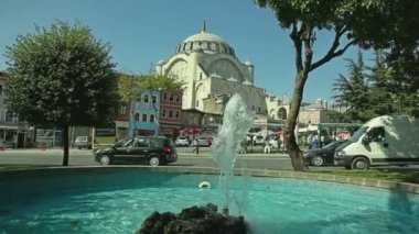 Mihrimah Sultan Mosque from park, Istanbul — Stock Video