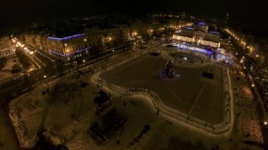 King Tomislav square before New Years Eve — Stock Video