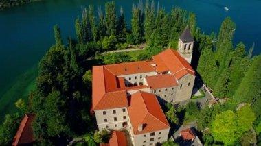 Monastery Visovac, aerial circular shot — ストックビデオ