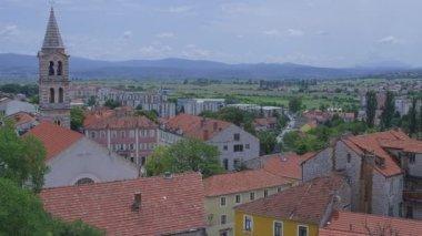 Sinj town center panorama — Stock Video