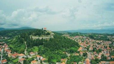 Small town Sinj in Dalmatia — 图库视频影像