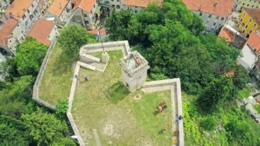 Fortress Kamicak in Sinj, aerial shot — Vídeo Stock