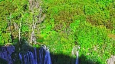 Manojlovac waterfall Krka river — Stock Video