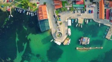Mali Ston on Peljesac peninsula, aerial — Stock Video