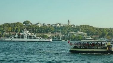 Tourist boats in Istanbul — Stock Video