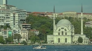 Dolmabahce Mosque sea side — Stock Video