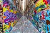 Melbourne graffiti in narrow alley — Stock Photo
