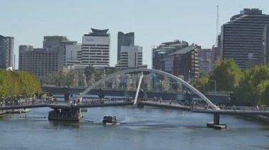 Melbourne Southbank Footbridge — Stock Video