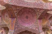 Nasir Al-Mulk Mosque praying room ceiling — Stock Photo