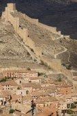 Defending wall in the picturesque village of Albarracin. Spain — Stockfoto