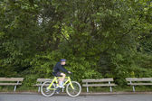 Cyclist in Stanley Park. Vancouver. Canada — Stock Photo