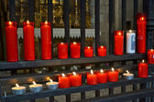Church prayer candles — Stock Photo