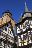 Town Hall and Walpurgiskirche in Old Town in Alsfeld — Stock Photo