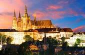 Prag kalesi, gece — Stok fotoğraf