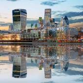 London Skylines at dusk England UK — Stock Photo