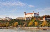 Bratislava castle at autumn, Slovakia — Stock Photo