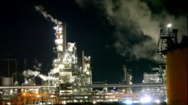 Oil Industry - refinery plant, time lapse — Stock Video