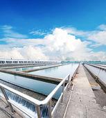 Moderne stedelijk afvalwater zuiveringsinstallatie — Stockfoto