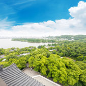 West Lake and city of Hangzhou — Stock Photo