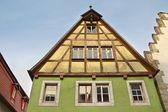 Facciata della vecchia casa medievale — Foto Stock