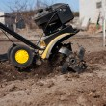 Garden tiller to work — Stock Photo #68012301