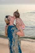 Kiss mom — Stock Photo