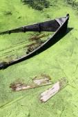 Broken boat — Stock Photo