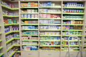 Geneeskunde in een apotheek — Stockfoto