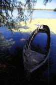 Gebrochenen Boot — Stockfoto