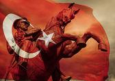 Heroic Ataturk Statue and Turkish Flag — Stock Photo