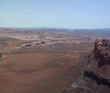 Red rock desert buttes — Stock Video