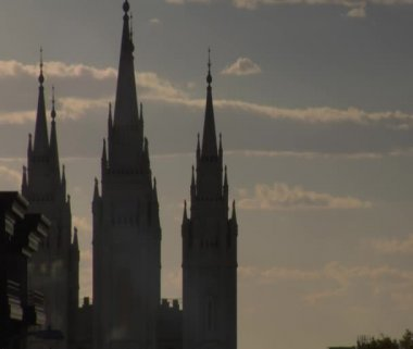 Mormon Temple spires — Stock Video