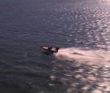Speed boat flyover — Stock Video