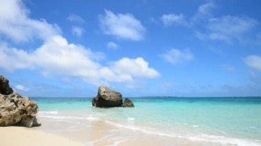 Beautiful beach in Okinawa — Stock Video