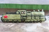 Homemade gingerbread old Soviet locomotive, present for Defender — Stock Photo