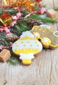 Homemade christmas gingerbreads painted as a yellow white Christ — Photo