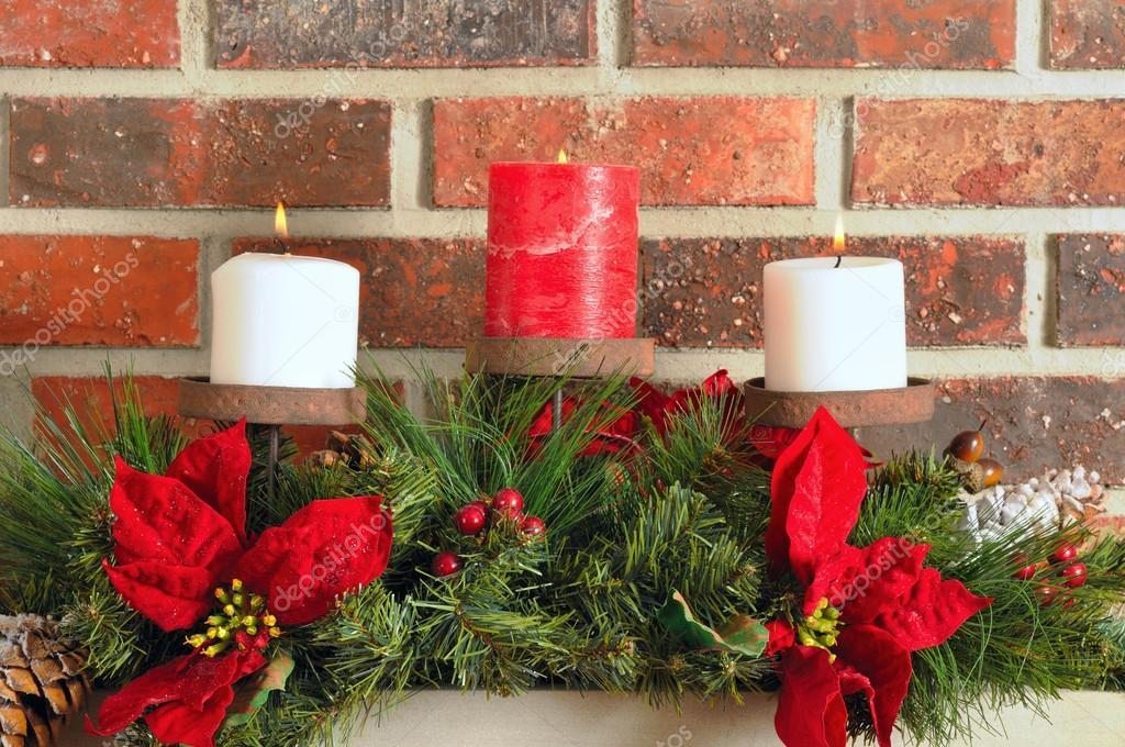 Decoración de navidad de la chimenea — fotos de stock © ksponsler ...